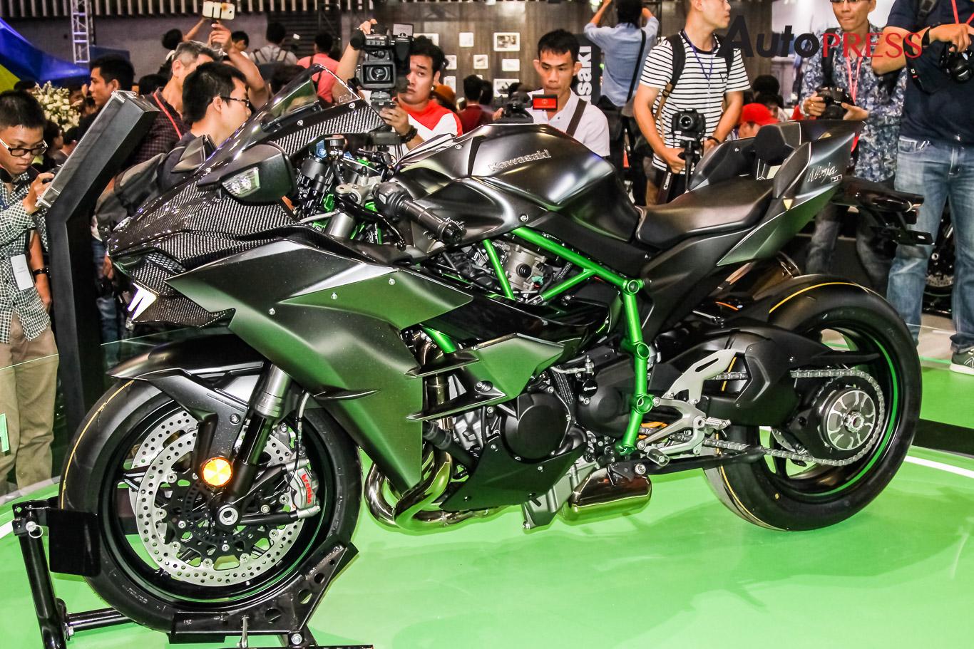 Vmcs 2017 Kawasaki Ninja H2 Carbon Chính Thức được Ra Mắt Tại Việt Nam