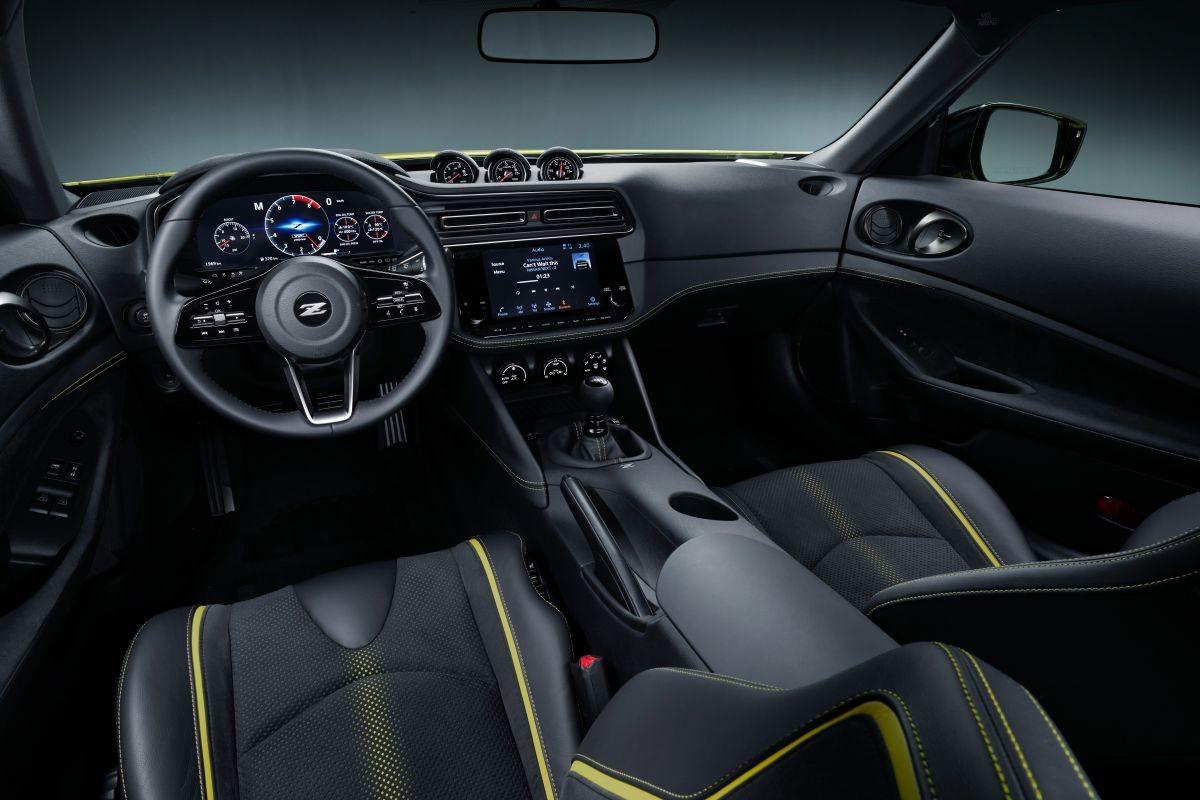 Nội thất Nissan 400Z